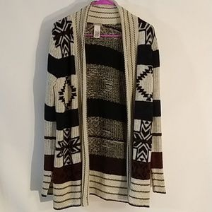 Charlotte Russe size small Aztec print cardigan